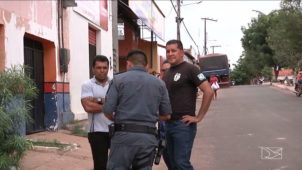 Equipes das policias Civil e Militar estão realizando buscas na região. (Foto: Reprodução/TV Mirante)