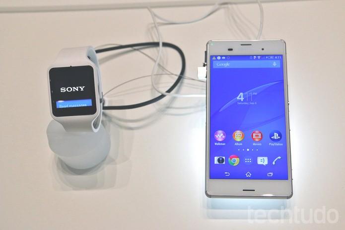 O Z3 possui tela Full HD de 5.2 polegadas ( (Foto: Fabrício Vitorino/TechTudo)