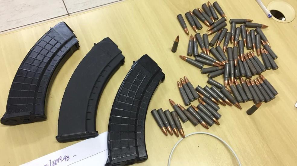 Investigado abastecia favelas com munição calibre 7,62mm, utilizadas em fuzis do tipo AK47 — Foto: Divulgação/PF