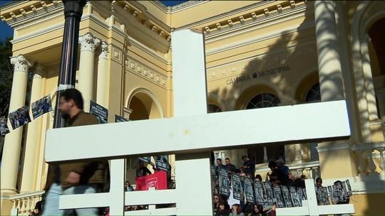 Vereadores de Curitiba aprovam mais um projeto do 'pacotaço'; cinco já foram aprovados