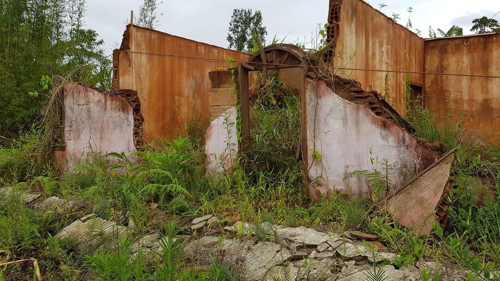 Sinais da destruição provocada pelo maior desastre ambiental do Brasil são preservados em Bento Rodrigues — Foto: Raquel Freitas/G1