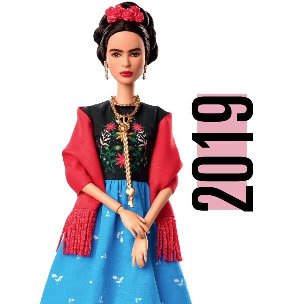 A artista Frida Kahlo é uma das mulheres homenageadas com uma Barbie (lançada em 2018) (Foto: Getty Images)