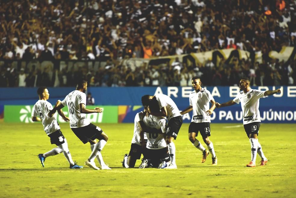 Corinthians goleou o Visão Celeste por 8 a 0 — Foto: JUCA RODRIGUES/FOTOARENA/FOTOARENA/ESTADÃO CONTEÚDO