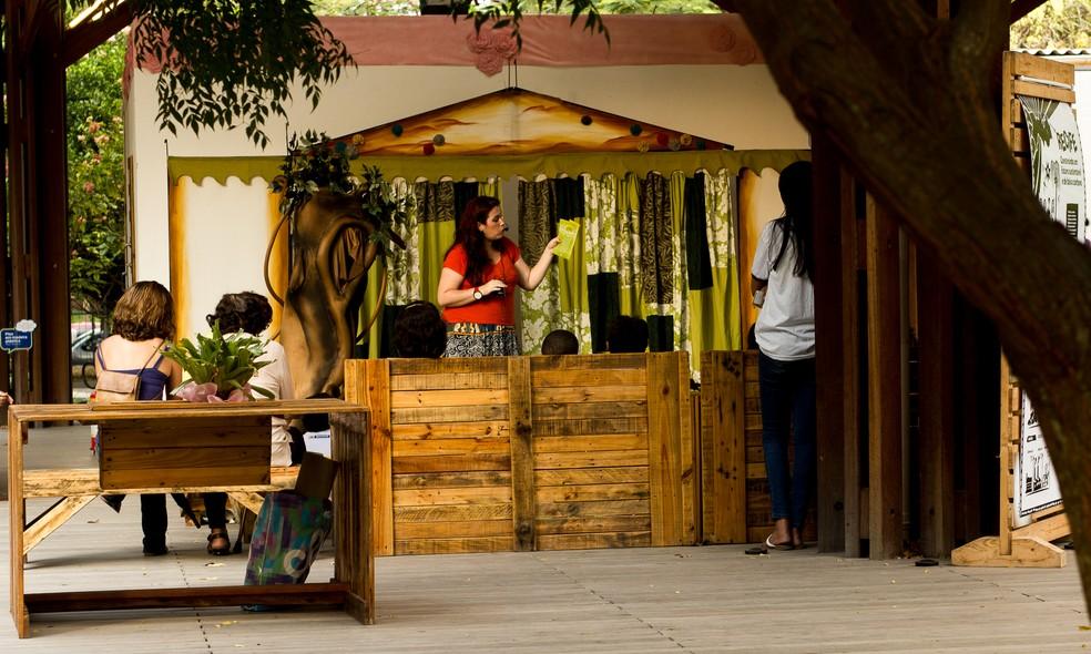 Esquete teatral é uma das atrações do aniversário do Econúcleo Jaqueira (Foto: Eduardo Rodrigues/ Secretaria de Meio Ambiente e Sustentabilidade)