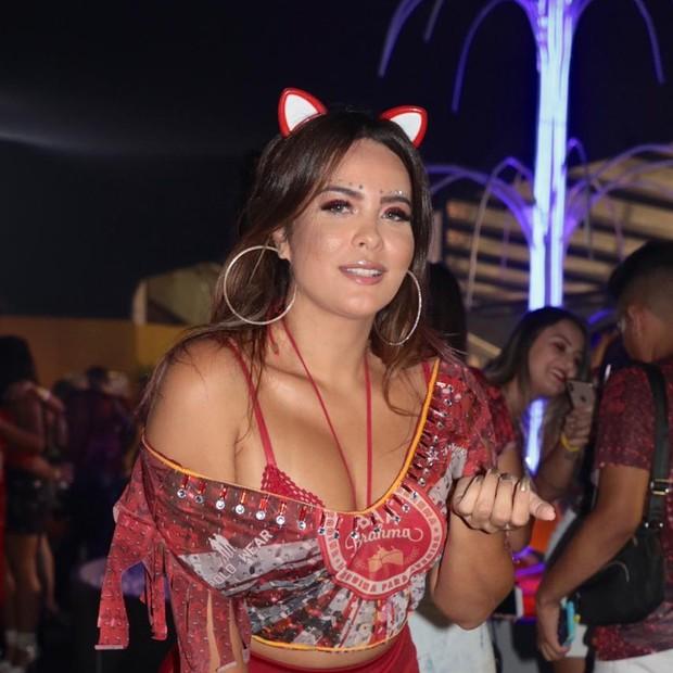 148b60ead Geisy Arruda usa lingerie especial para o Carnaval de São Paulo