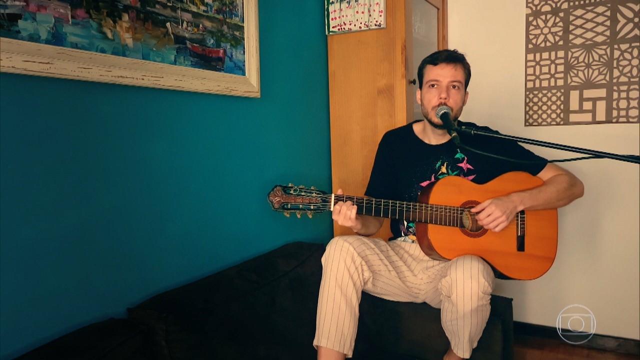 João Cavalcanti canta ´Bicho saudade´