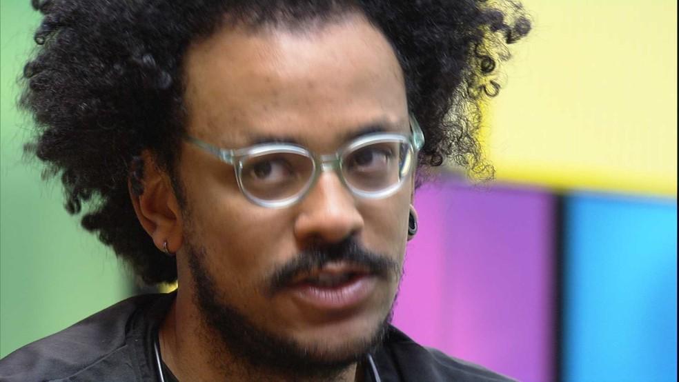 Em conversa sobre Paredão, João Luiz revela quem puxaria em um possível contragolpe — Foto: Globo