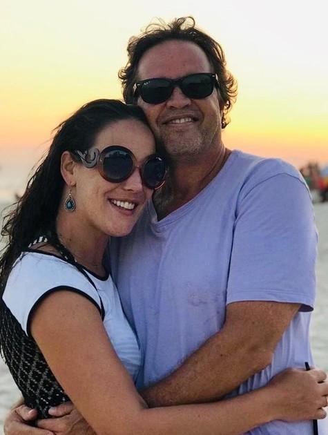 Adriana Birolli e o namorado, o diretor Ivan Zettel (Foto: Reprodução/ Instagram)