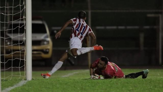 Matheus Carvalho fechou a conta para o Náutico