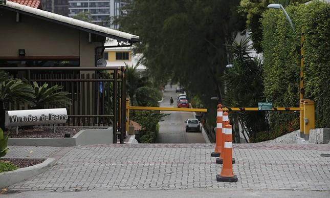A portaria do Vivendas da Barra, ignorada erradamente pela polícia