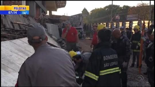 Desabamento de prédio em construção causa mortes em São Leopoldo