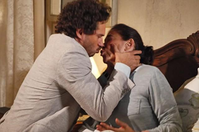 Paulo Rocha e Lilia Cabral em cena de 'Fina estampa' (Foto: Reprodução)