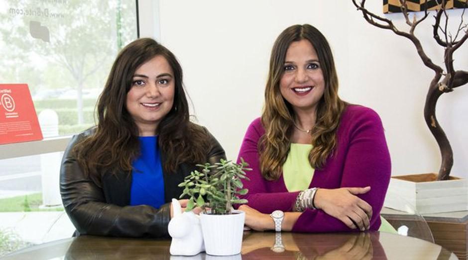 As irmãs Paris Sabo e Pooneh Ramezani (Foto: Reprodução)