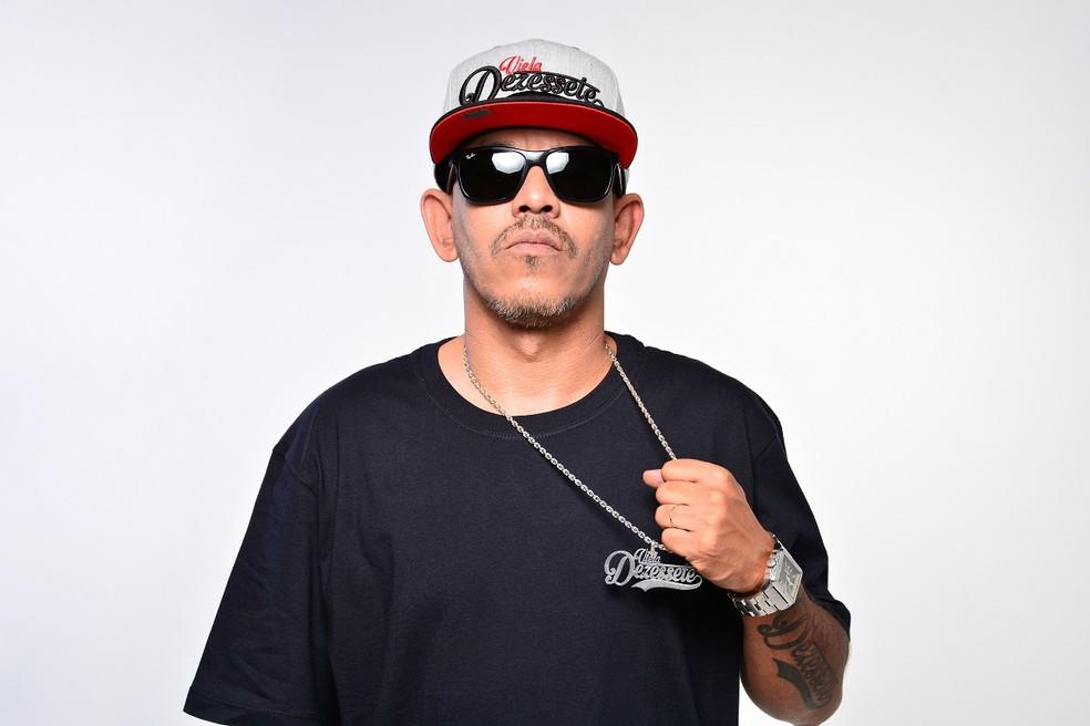 Rapper  Viela 17 — Foto: Nathalia Millen/Divulgação