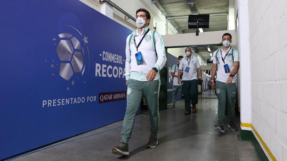 Abel Ferreira antes da partida entre Defensa y Justicia x Palmeiras — Foto: Divulgação/Palmeiras