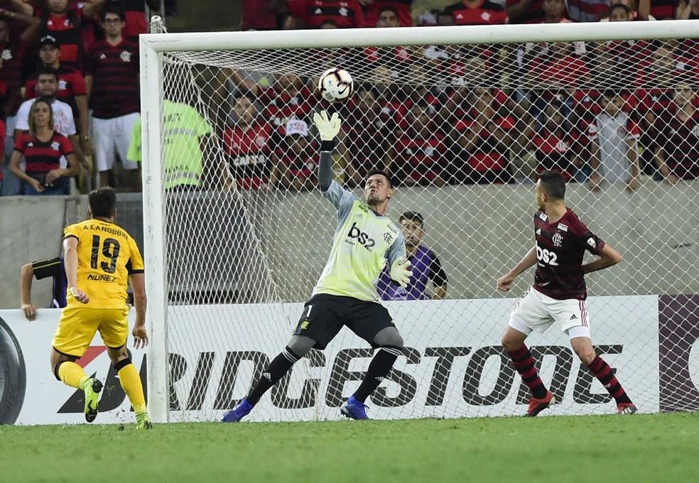 f92d5ae33 ... Peñarol venceu o Flamengo por 1 a 0 no Maracanã — Foto  André Durão