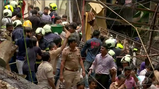Quatro pessoas morrem após prédio desmoronar na Índia