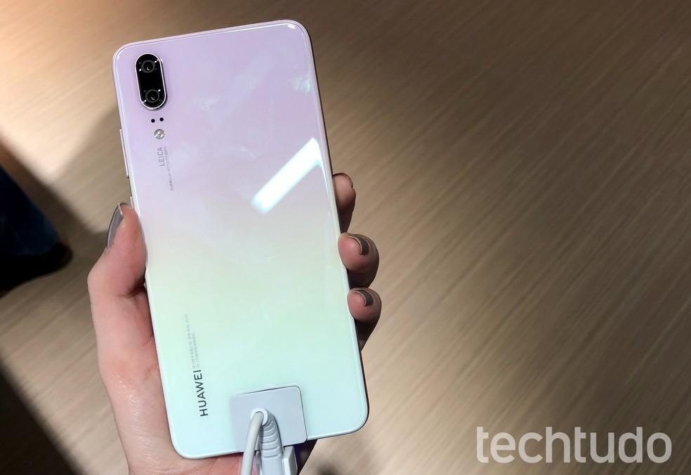 Huawei P20 já contabilizou mais de 10 milhões unidades vendidas em 2018 — Foto: Anna Kellen Bull/TechTudo