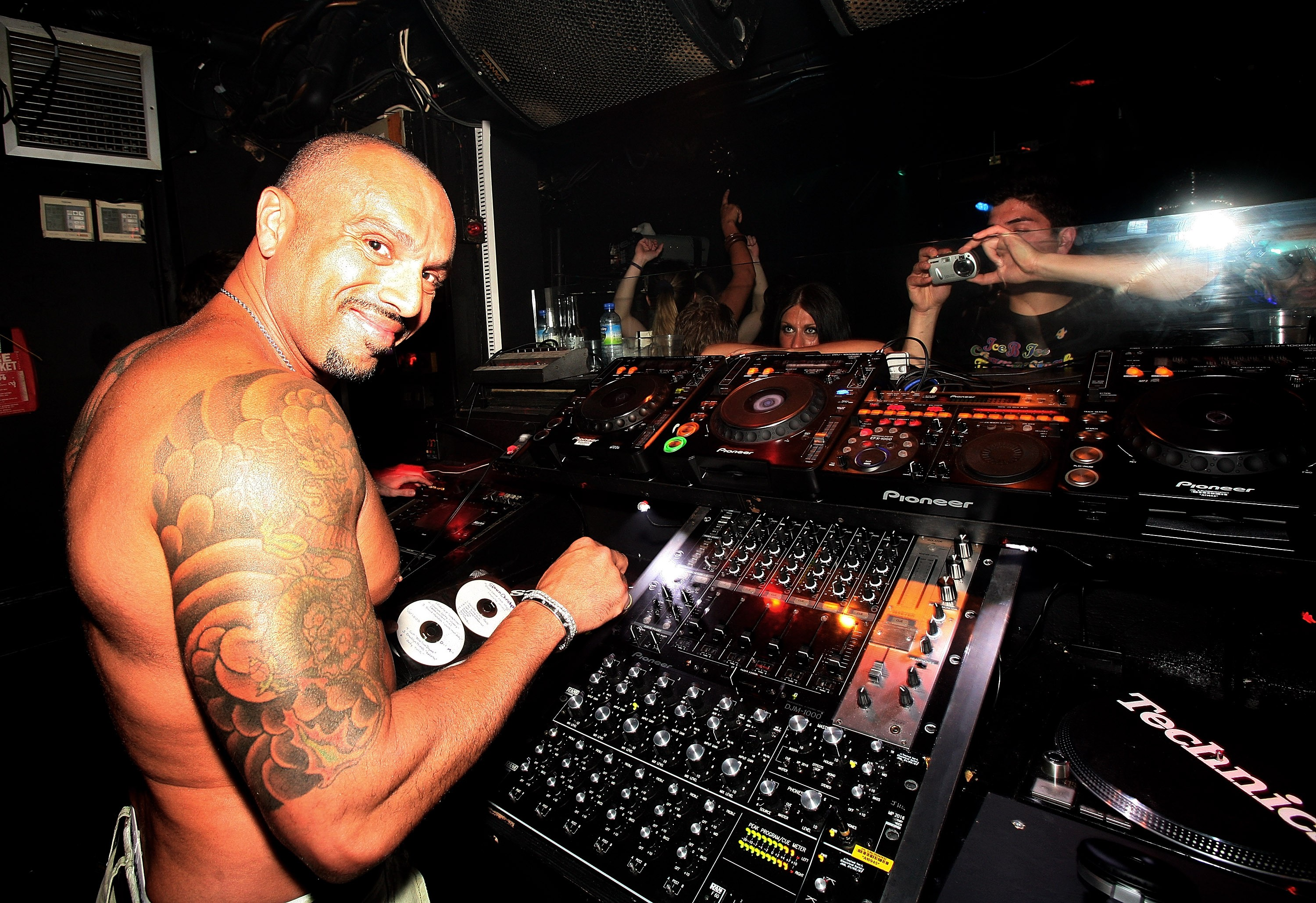 O DJ David Morales foi preso no Japão (Foto: Getty Images)