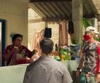 Regina Casé, Juliano Cazarré e Thiago Martins em 'Amor de mãe' | Reprodução
