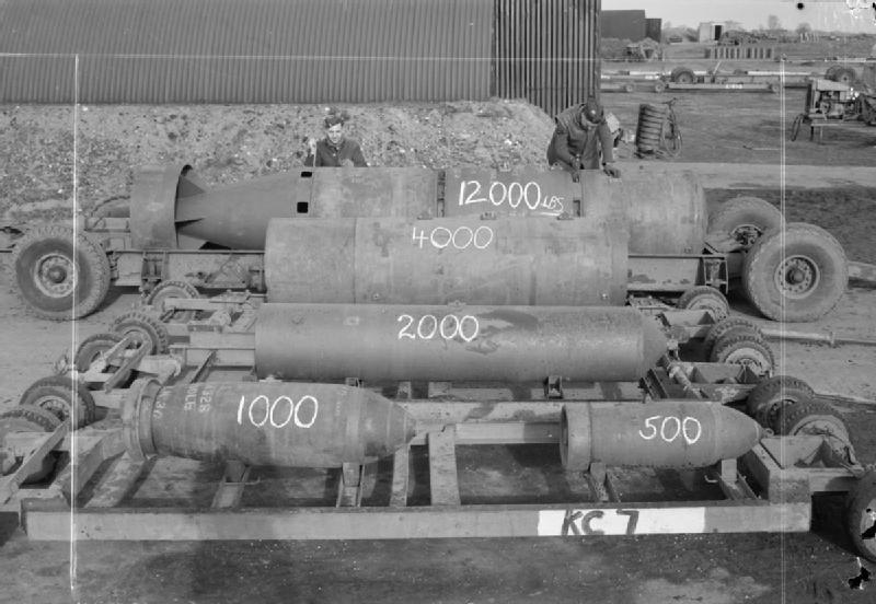 Material bélico da Força Aérea Britânica (Foto: Reprodução)