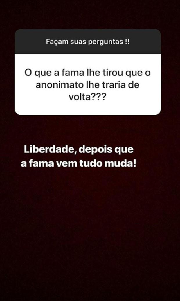 Simone responde perguntas de fãs (Foto: Reprodução)
