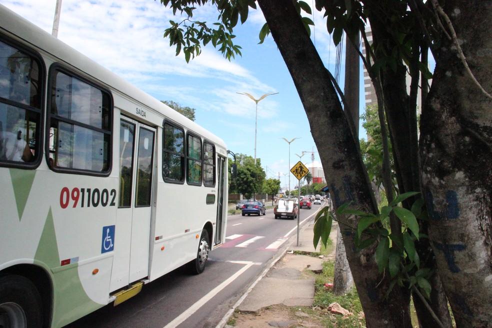 Ônibus voltaram a circular após paralisação em Manaus (Foto: Leandro Tapajós/G1 AM)