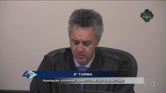 Desembargador inicia julgamento do recurso de Lula lendo relatório