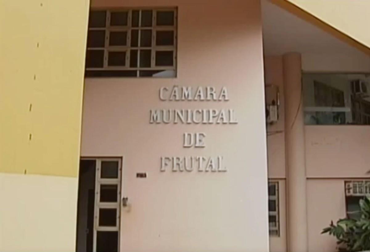 Câmara de Frutal cassa mandato de vereador que teria utilizado plenário da para lançar candidatura a deputado estadual - G1