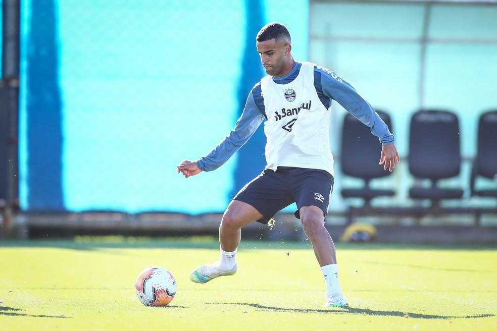Alisson, em treino do Grêmio — Foto: Lucas Uebel/Grêmio