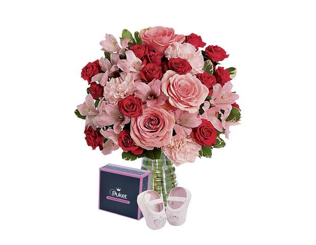 Giuliana flores + Puket, R$ 242. Sapatilha tamanho RN. (Foto: Divulgação)