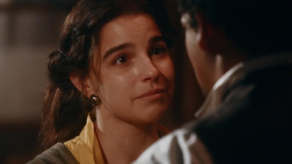 Pilar (Gabriela Medvedovski) tentará se aproximar de Samuel (Michel Gomes) em 'Nos Tempos do Imperador' — Foto: Globo