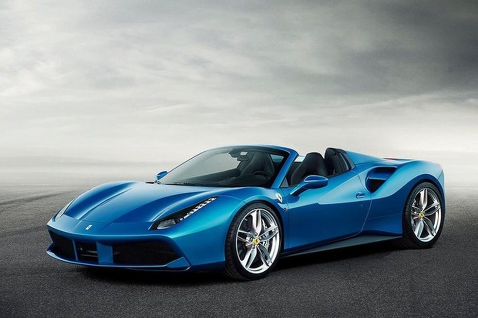 Ferrari 488 Spider custa cerca de R$ 3 milhões. — Foto: Divulgação