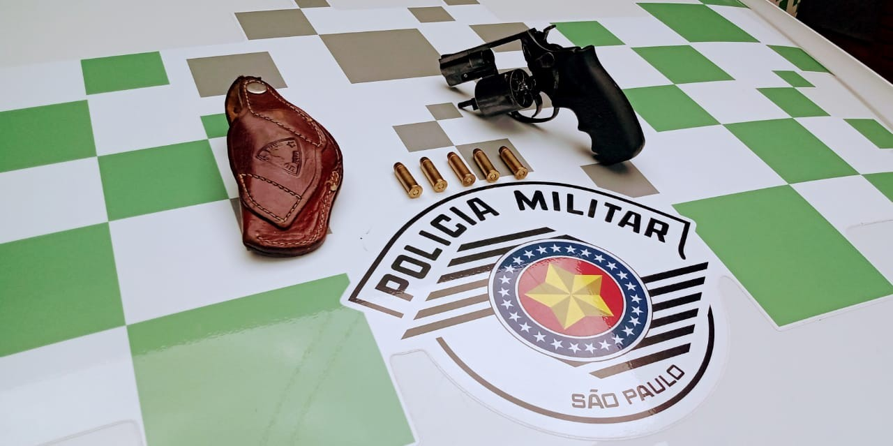 Durante vistoria em veículo, fiscalização apreende revólver de calibre 38 em Teodoro Sampaio