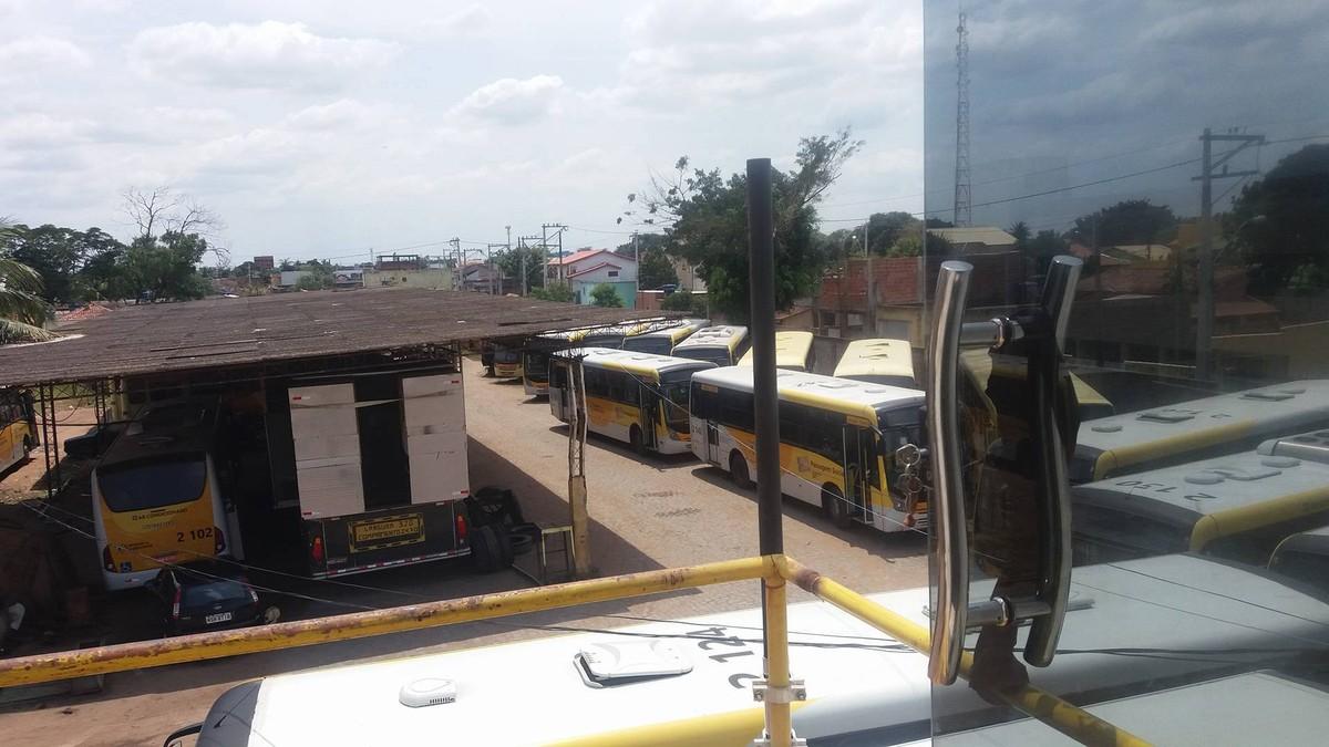Empresa retira ônibus de circulação em Campos, RJ, e faz exigências à Prefeitura