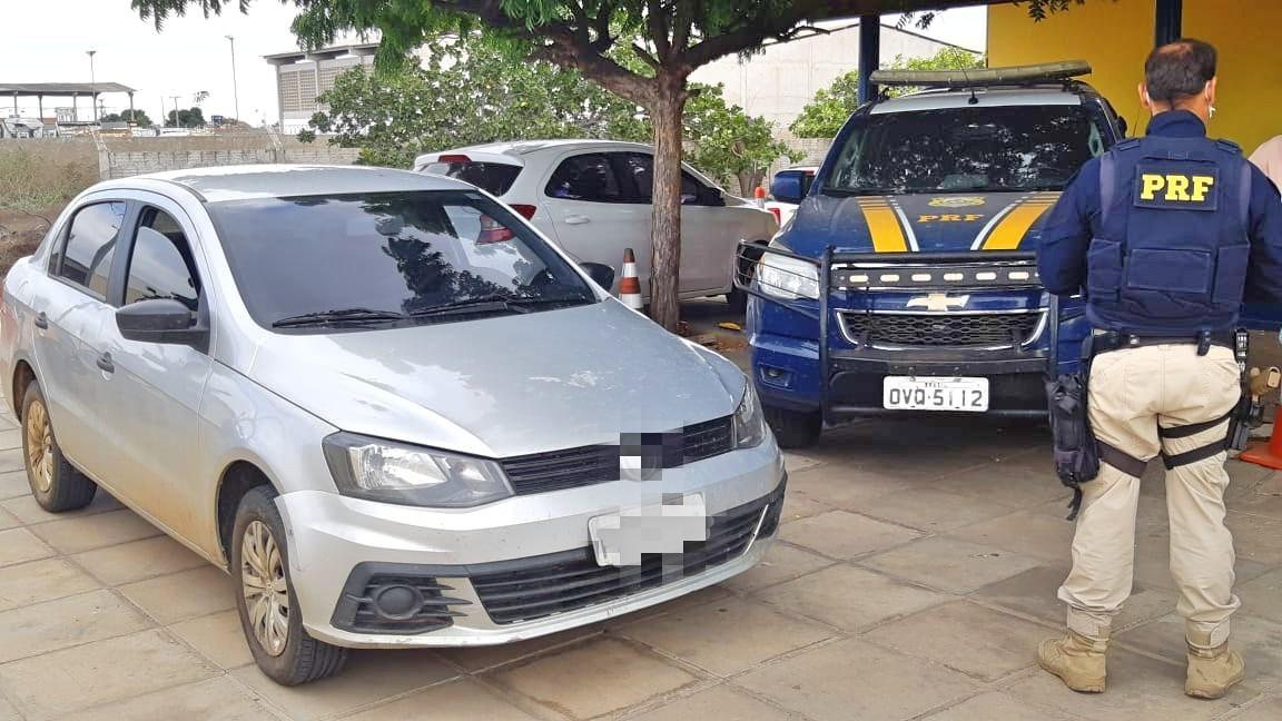 PRF recupera em Petrolina carro que havia sido levado de locadora de Fortaleza