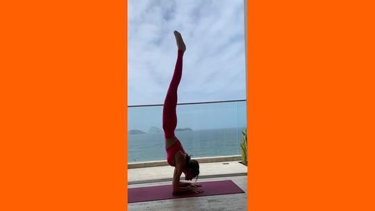 Yoga estimula a produção de gaba, neurotransmissor de efeito calmante