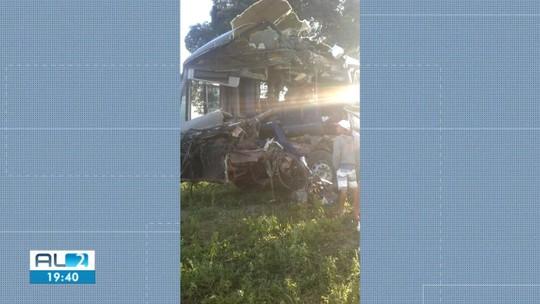 Sobrevivente dá detalhes do acidente com ônibus escolar que matou mãe, bebê e um jovem em Campo Alegre, AL
