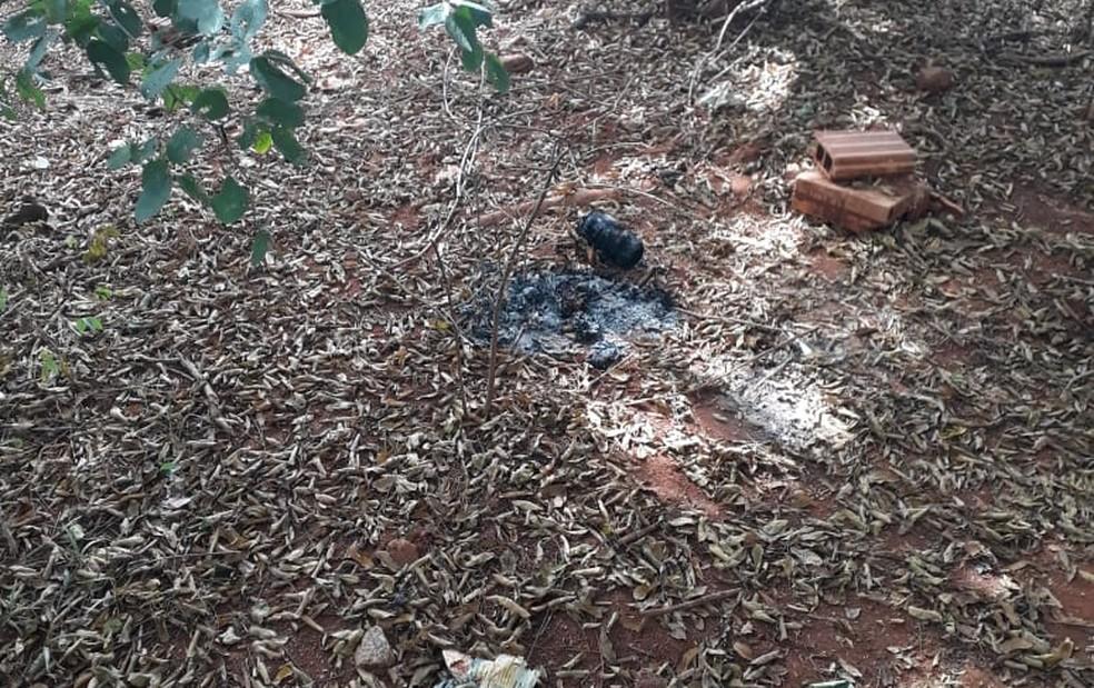 Polícia diz que suspeito queimou roupas usadas durante o crime (Foto: Polícia Civil/Divulgação)