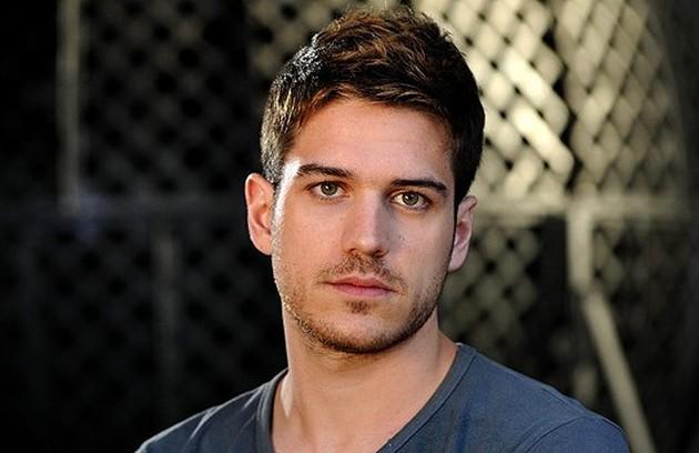Marco Pigossi interpretou Rafael. O rapaz, desonesto, se envolveu em diversos golpes, mas se apaixonou verdadeiramente por Maria Amália (Foto: TV Globo)