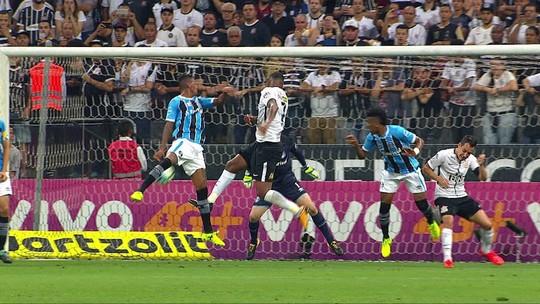 Análise: está na hora de Carille mexer em seu trio ofensivo titular no Corinthians