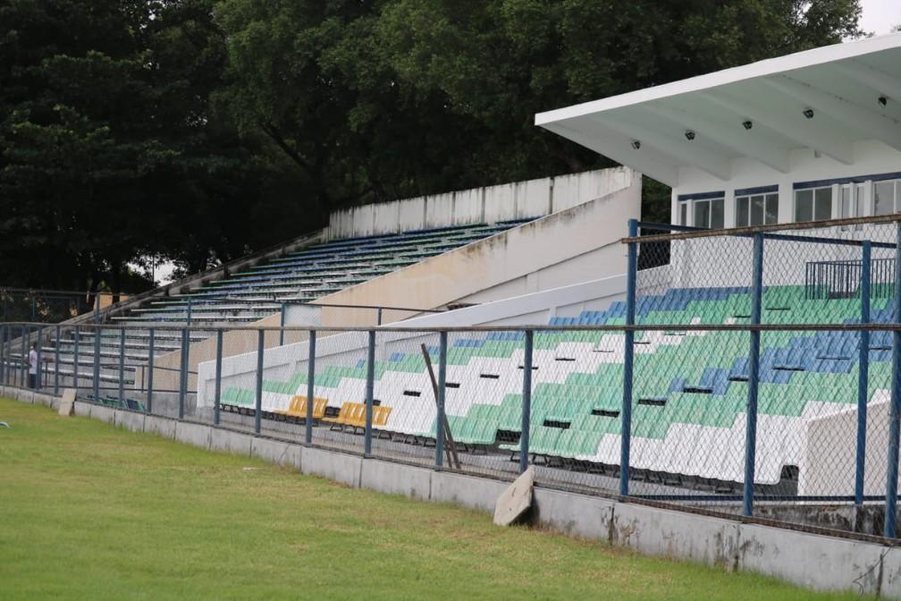 Estádio Lindolfo Monteiro recebe confronto entre Timon e Picos nesta quinta-feira — Foto: Arthur Ribeiro