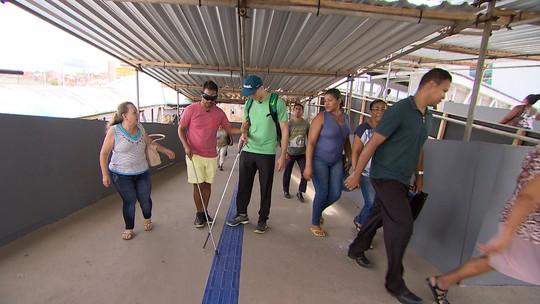 Atleta paralímpico Cássio Lopes mostra as dificuldades de acessibilidade das pessoas com deficiência visual