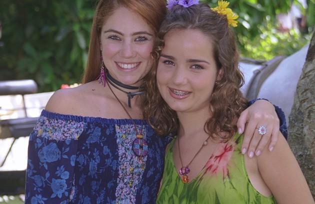Em 'Uga uga' (2000), a atriz deu vida a Lilith, uma adolescente problemática, que se interessava por homens mais velhos. Na foto, com Juliana Baroni (Foto: TV Globo/Fábio Costa)