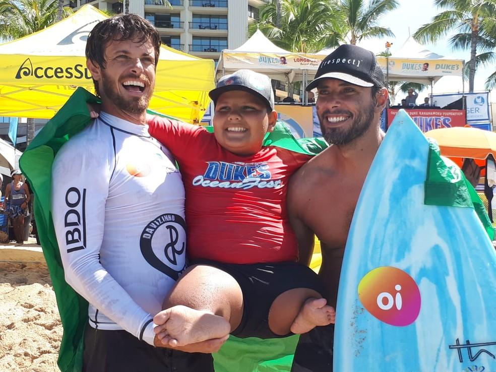 Davizinho com os treinadores Duda e Thiago Mariano (Foto: arquivo pessoal)