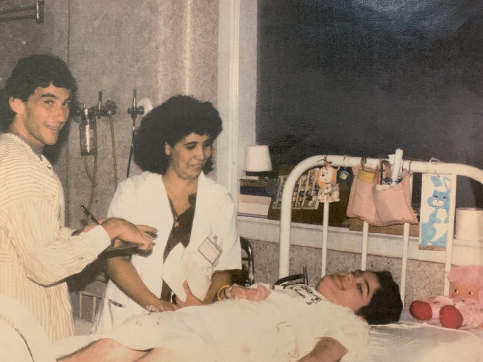 Quando morava no hospital, Eliana chegou a receber a visita de Ayrton Senna — Foto: Arquivo pessoal