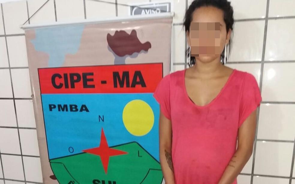 Jovem grávida foi presa por envolvimento em morte de taxista (Foto: Divulgação/ PM-BA)