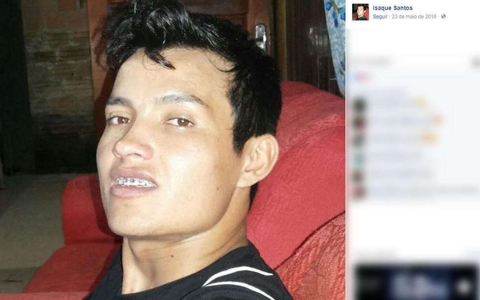 Isaque dos Santos levou uma facada no pescoço e morreu no hospital (Foto: Facebook/Reprodução)