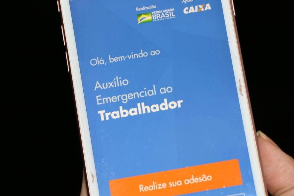 Aplicativo da Caixa Econômica para pagamento do Auxílio Emergencial — Foto: Alexandre Alves/Governo do Tocantins/Divulgação