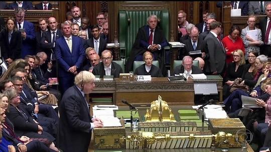Premiê britânico pede para adiar o Brexit em carta sem assinatura
